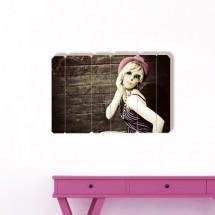 Retro Young Girl - Klikni za detalje