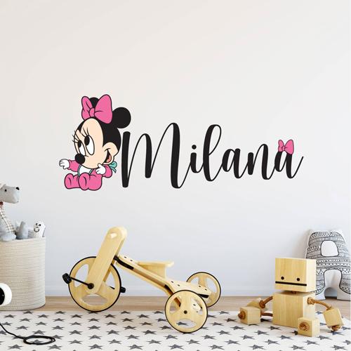 Minnie beba sa imenom